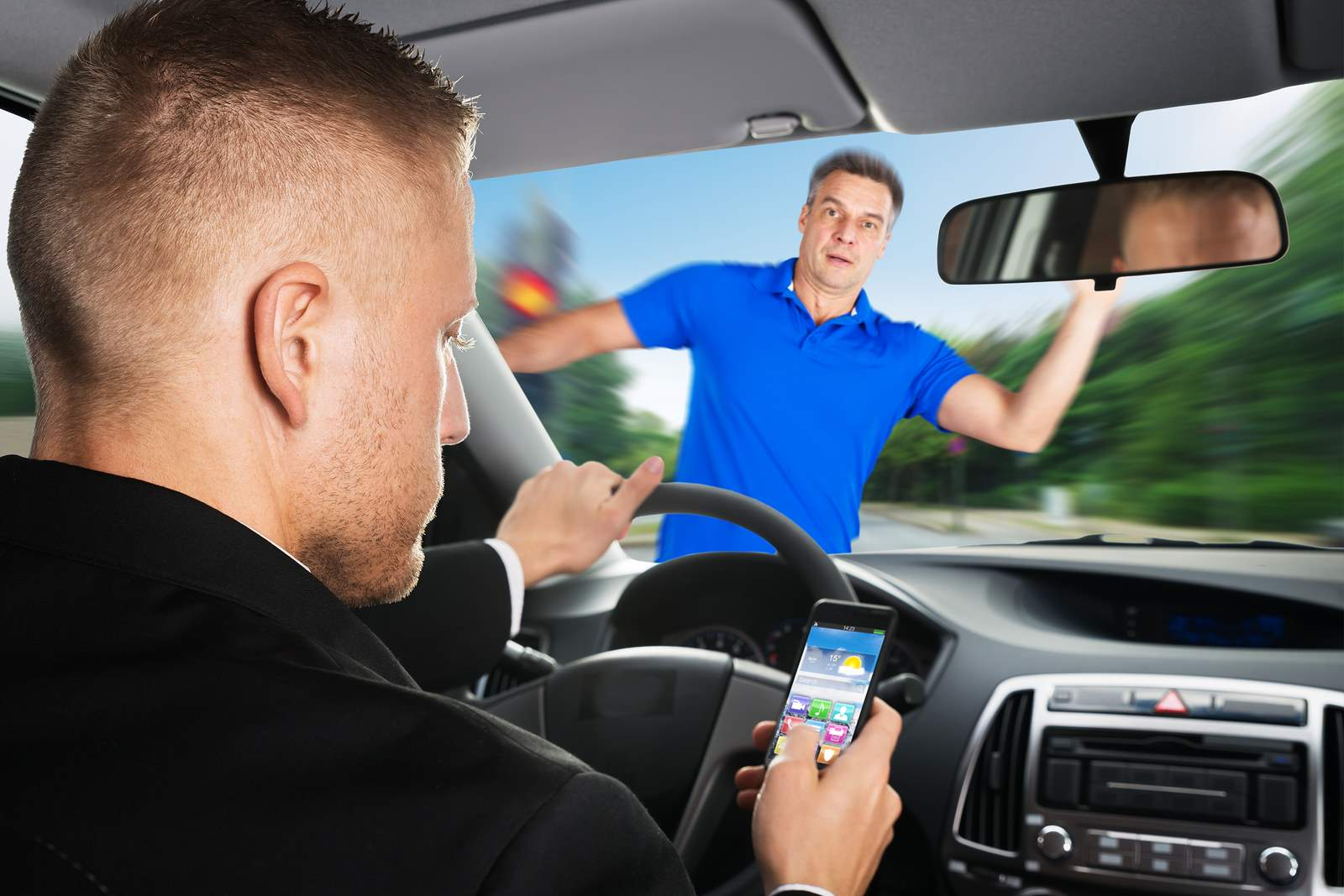 driving distractions Many experts say that drivers distracted by smartphones and other  to prevent  teens and adults from using smartphones while driving but at.